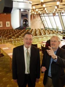 Borgmester Ole Bjørstorp godkende de nye robotkameraer